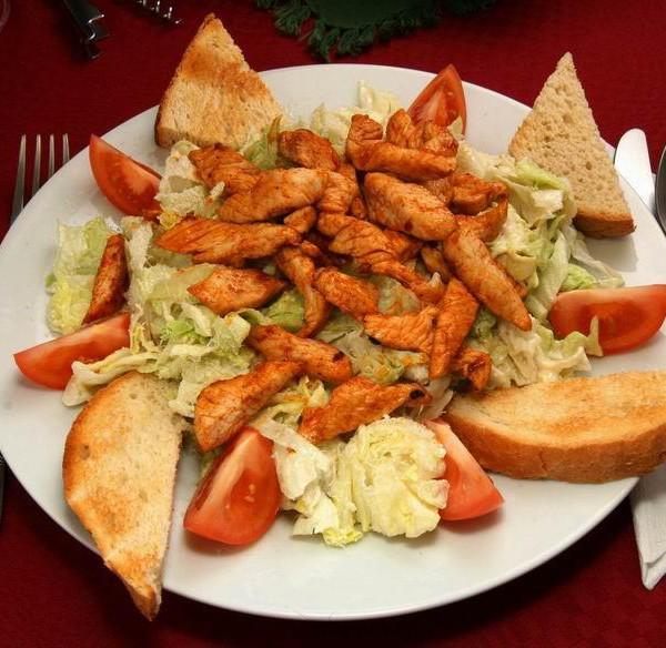 Cézár saláta (csirkével)