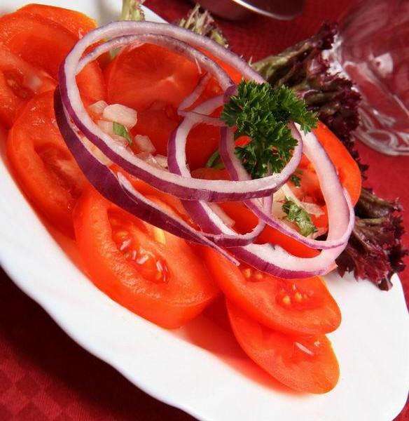 Paradicsom saláta